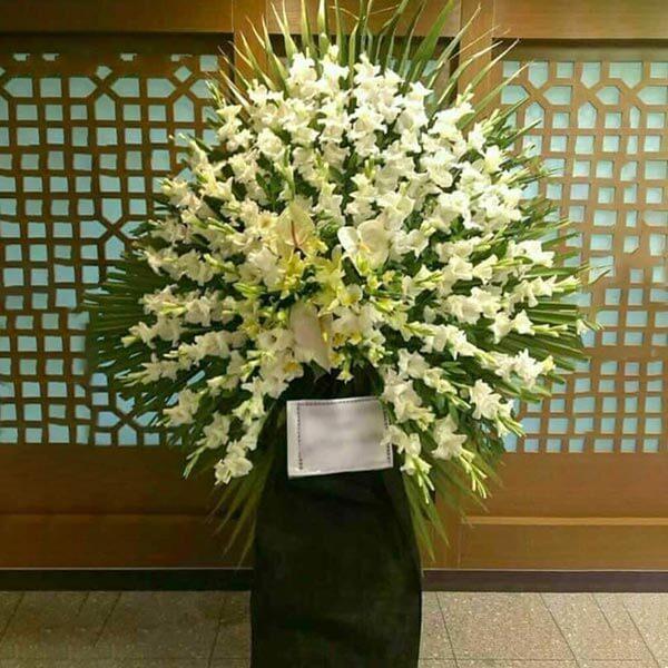 تاج گل تسلیت یک طبقه