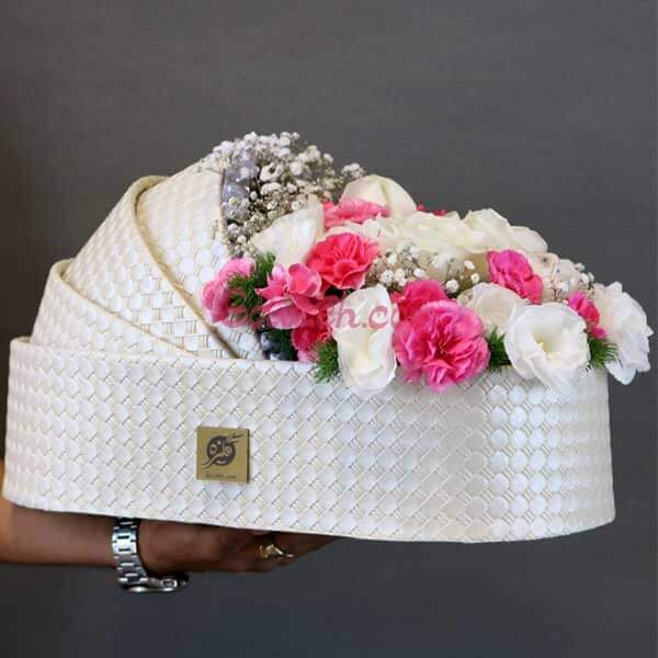 باکس گل گهوارهای غزل با رز سفید